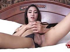 Gorgeous Ladyboy Nat Cums!